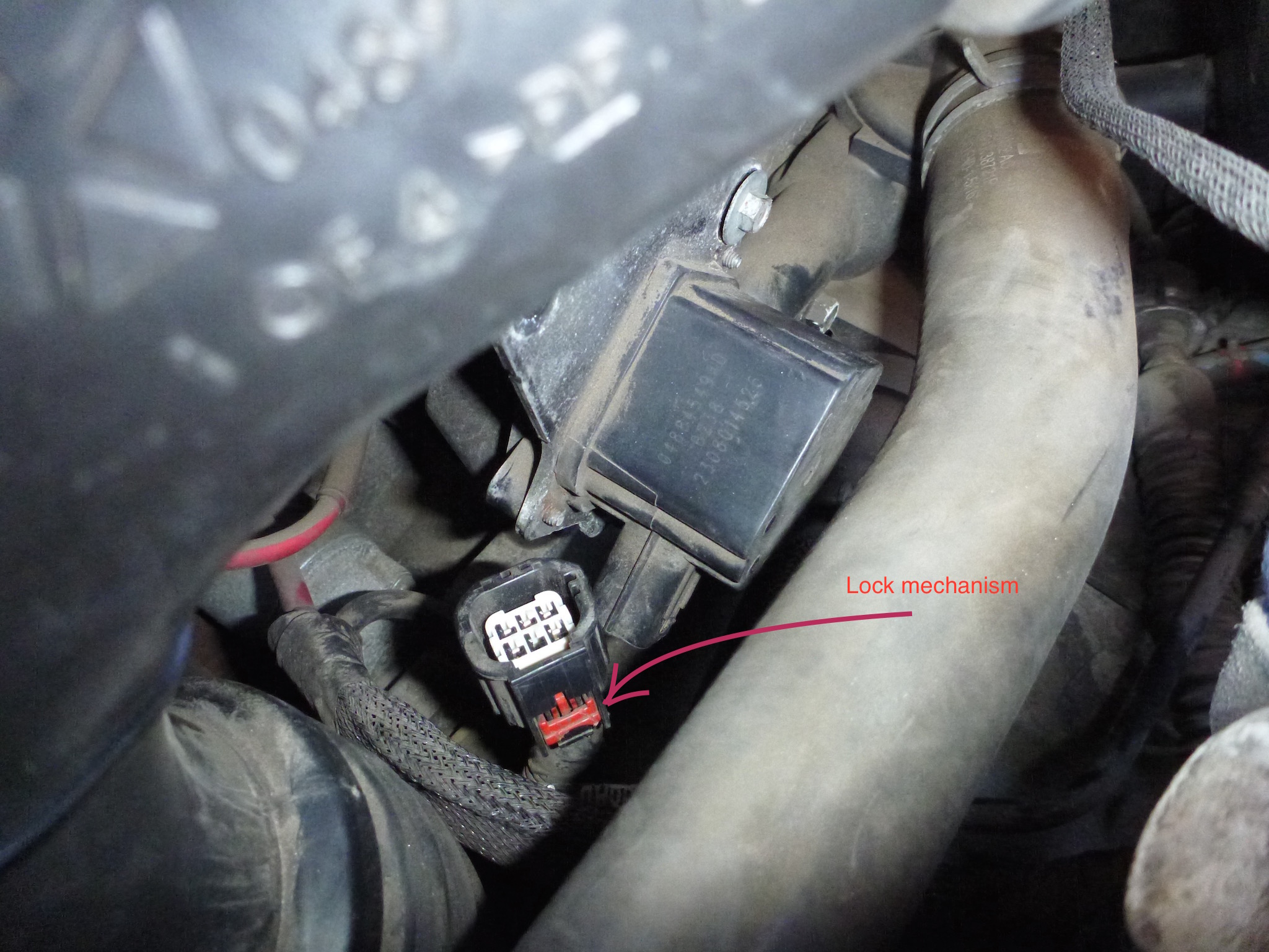 HG0o 13314 further 2005 Chrysler Town And Country Touring Fuse Box Location furthermore 2015 Chrysler 200 Fuse Box Diagram as well Watch additionally 2017 Second Hand P0406 Chrysler 300 Price. on 2006 chrysler 300 fuse location